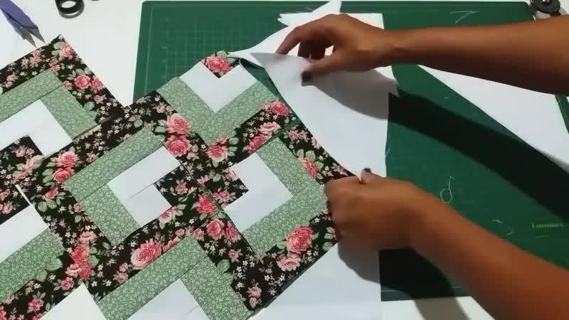 Caminho de mesa em patchwork- Faca voce mesmo CoisasDaCris
