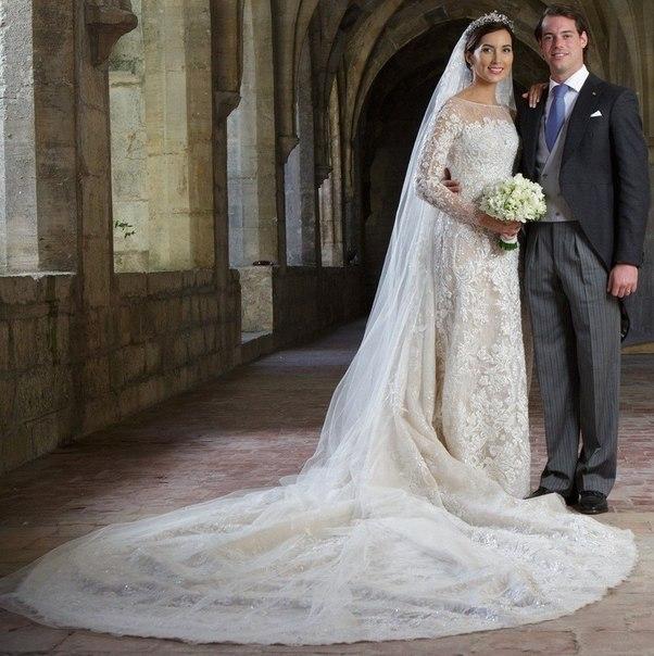 свадебное платье кремового цвета фото