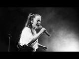 Sigrid - Don't Stop Believin' (Live at Manchester Albert Hall)