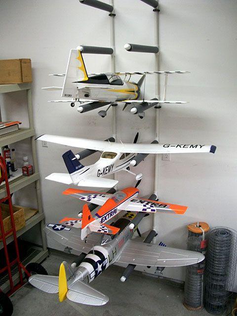 Просто коллекция радиоуправляемых самолетов