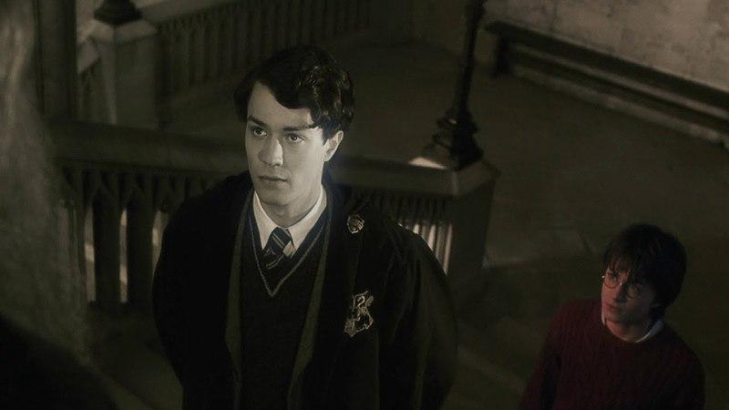 Гарри видит воспоминания Тома Реддла | Гарри Поттер и тайная комната