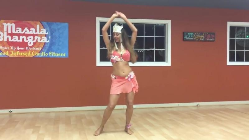 Sadie Marquardt - Polynesian style bellydance