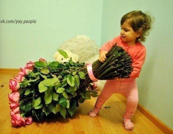 Девушка есть девушка...возраст не помеха:)