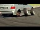 БМВ на столько надёжны, что отбрасывают лишние детали во время гонки и все ради того, чтобы ты попал в клипинг.