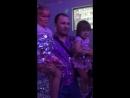 Танцы с роботами на серебряной дискотеке