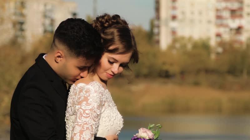 Почему свадебное видео стоит бронировать заранее?