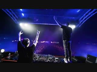 W&W x Armin van Buuren – Ready To Rave