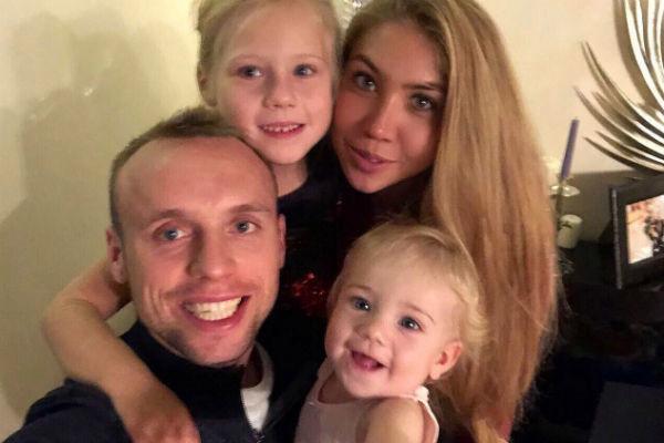 Имущество изменника Глушакова арестовано  Супруга Дениса Глушакова решила