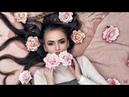 Длинноволосая красавица покорила Интернет роскошной шевелюрой которую украшает цветами