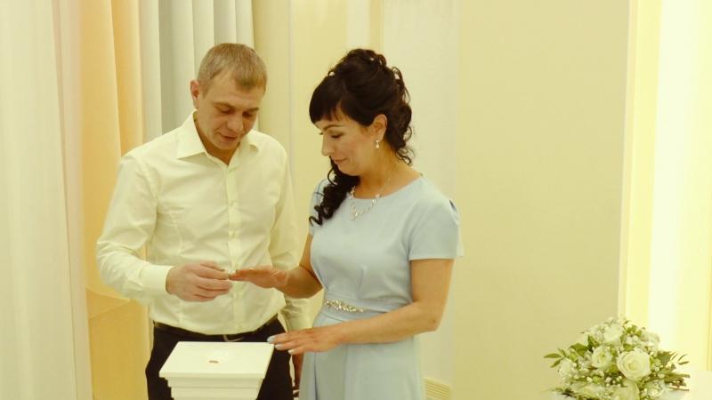 Свадьба Нижний Тагил . Алексей и Анна. В день своей свадьбы не забыли тех, кому мы обязаны мирным небом на Земле.