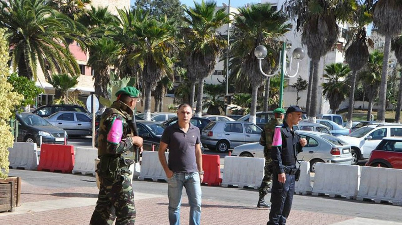 Photos de nos soldats et des Bases Marocaines - Page 2 Qjw1bQ8IXjE
