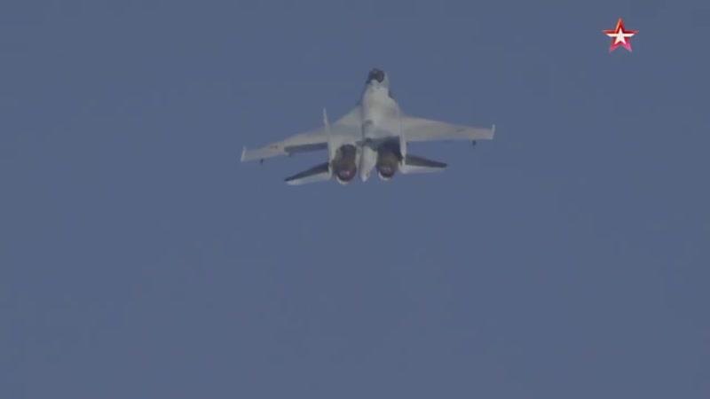 Сотый серийный многоцелевой истребитель Су 35С передан Минобороны РФ