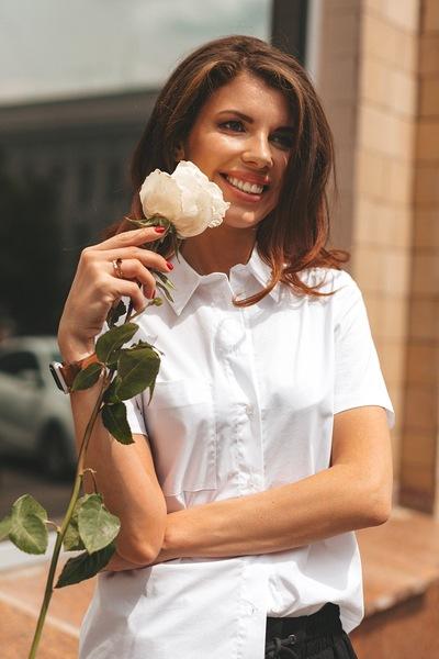 Алина Бурцева