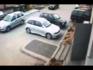 Man Has A Heart Attack While Trying To Park His Car... The Man Did Not Survive