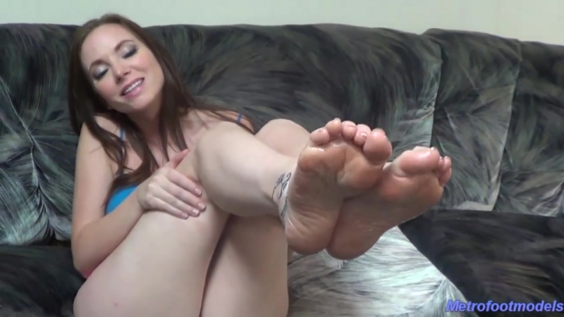 Jessica oily foot JOI ( Tease, Foot Fetish, Femdom,