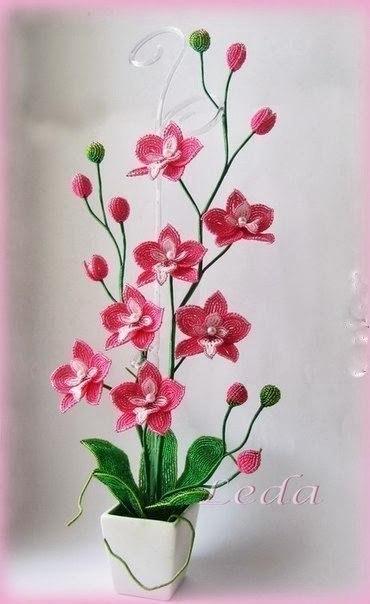 Орхидея из бисера (6 фото) - картинка