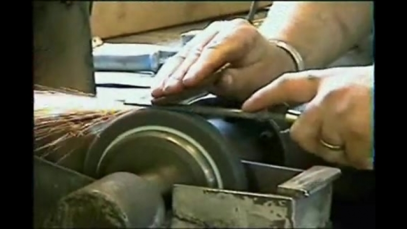 Grinding the inside of the gouging