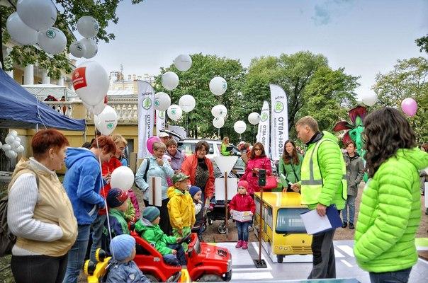 Неон-Авто и Пулково-Авто организовали школу ПДД в рамках проекта ŠKODA КРОХА в Юсуповском саду