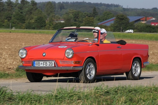 Четырёхместный кабриолет BMW 700