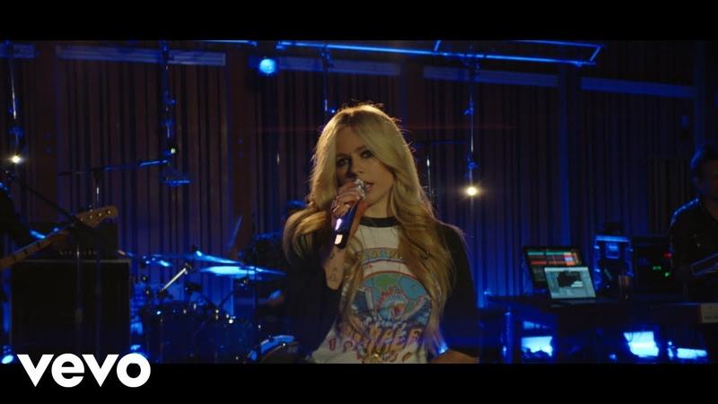"Avril Lavigne Girlfriend"" Live from Honda Stage at Henson Recording Studios"
