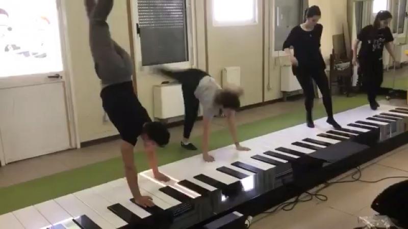 Despocito фортепиано танец