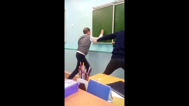 Учитель О.Б.Ж и его непослушный ученик