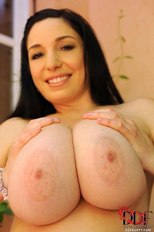 Big tits cumshots hardcore raylene
