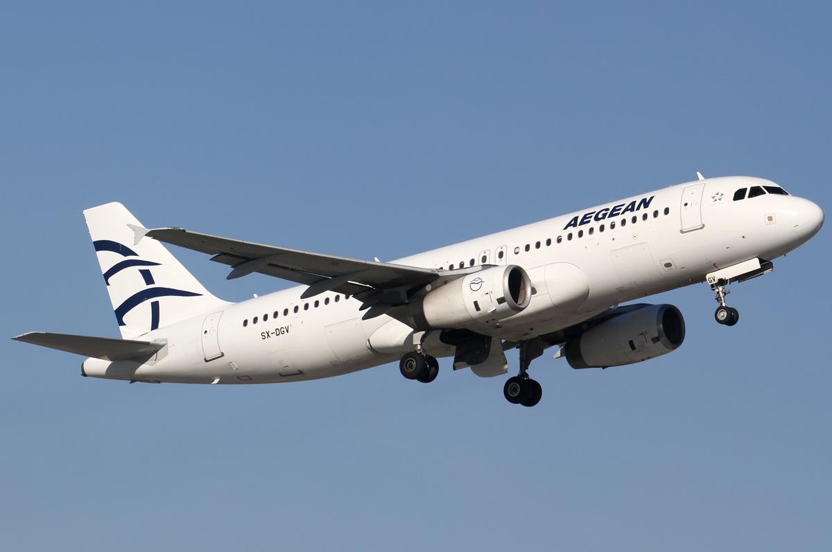 Взлет самолета Aegean Airlines