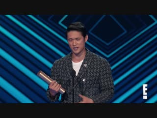 """Harry Shum Jr. Thanks """"Shadowhunters"""" Fans for E! PCAs Win ¦ E! Peoples Choice Awards"""