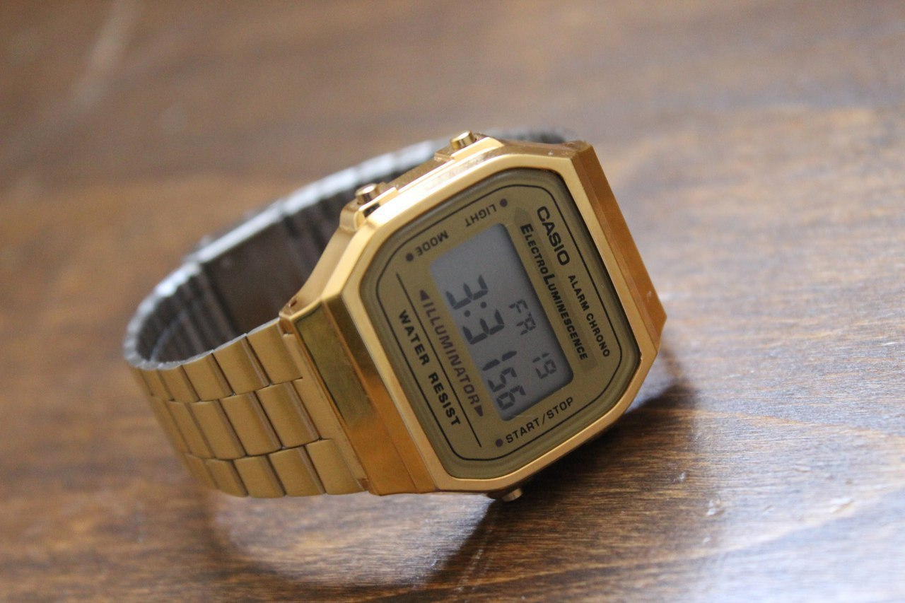 Часы Casio -