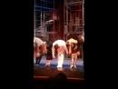 Фрагмент поклон из мюз Дороги которые нас выбирают Московский театр Сатиры
