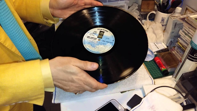 How to remove crackles from a badly used vinyl with WD 40 如何除去舊唱片的 炒豆聲 Всем любителям винила 👉 analoglP