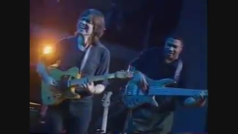 Brecker Brothers Live In Barcelona - Some Skunk Funk. Michael Brecker no sax tenor, Randy Brecker no trumpete, Dennis Chambers n
