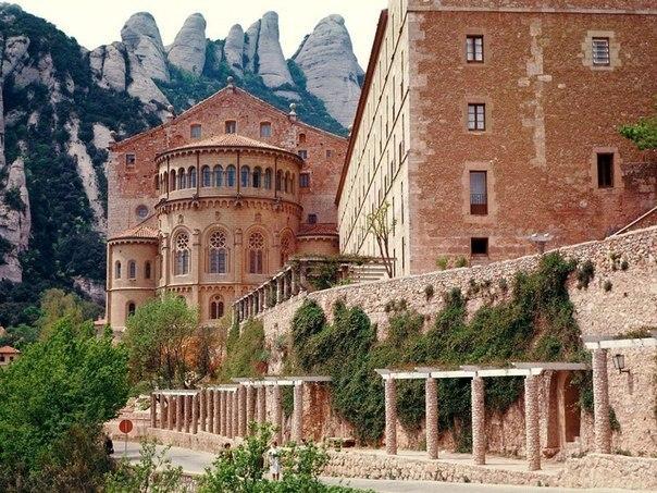 Монастырь монсеррат испания