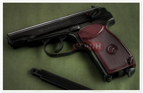 Пистолета Макарова.