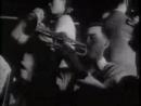 毛泽东与情妇宫女文工团女演员共舞