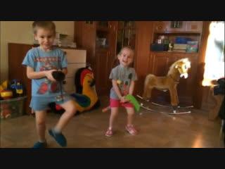 Скибиди-челлендж от детей депутата