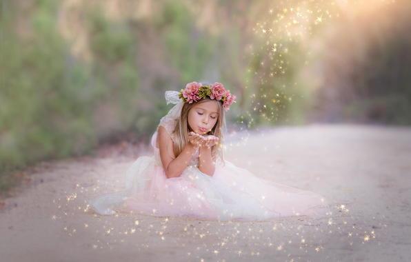 """""""Ребенка нельзя воспитать. Ребенок - это как цветок. Он вырастет сам. Все, что мы можем сделать - это убрать препятствия: прополоть сорняки, прогнать паразитов, разрыхлить почву"""". © Вивикенада"""