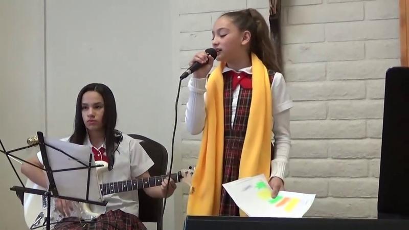 МИЛАЯ АННИКА ПОЁТ МИЛУЮ ПЕСНЮ