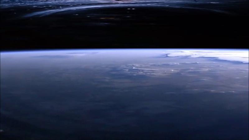 Срочно, Неотретушированное видео НАСА с МКС, где виден подсвеченный купол Плоской Земли