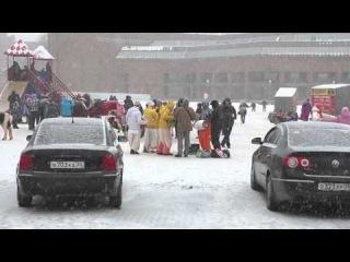 Кришнаиты зажигают на Химиков :-) (Череповец, 2014-02-02)