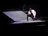 Usher_Michael Jackson Tribute Usher OMG tour, March 31 2011 Melbourne