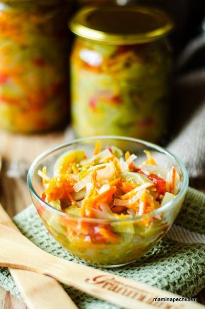 Салат из зелёных помидоров.
