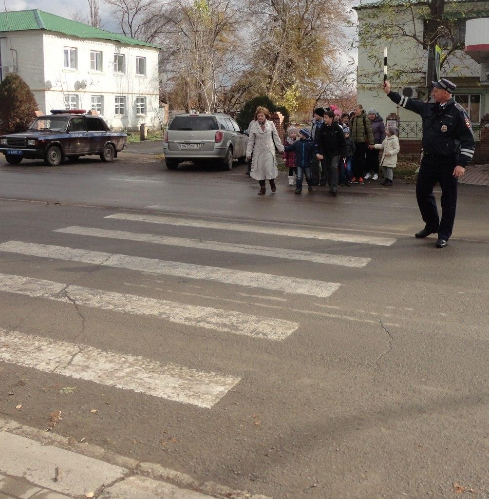 На Дону оштрафовали почти 2200 водителей, не пропустивших пешеходов