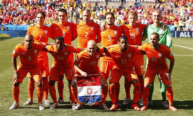 """ЧМ-2014. Группа """"В"""". Голландия обыгрывает Чили и занимает первое место в группе"""