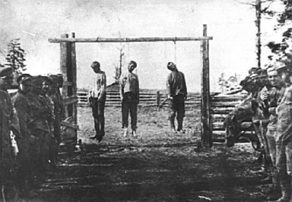 Они без разбора и удержа насильничают, порют, грабят, мучают и убивают, изображение №11