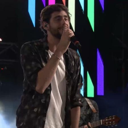 """Radio Deejay on Instagram: """"Alvaro Soler sul palco di @deejay_on_stage con """"El Mismo Sol""""  radiodeejay alvarosoler deejayonstage riccione @alva..."""