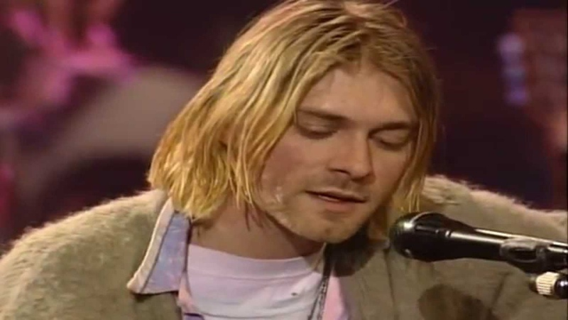 Nirvana - 05 Pennyroyal Tea (Live in MTV Unplugged, Sony Studios, New York, USA 18111993)