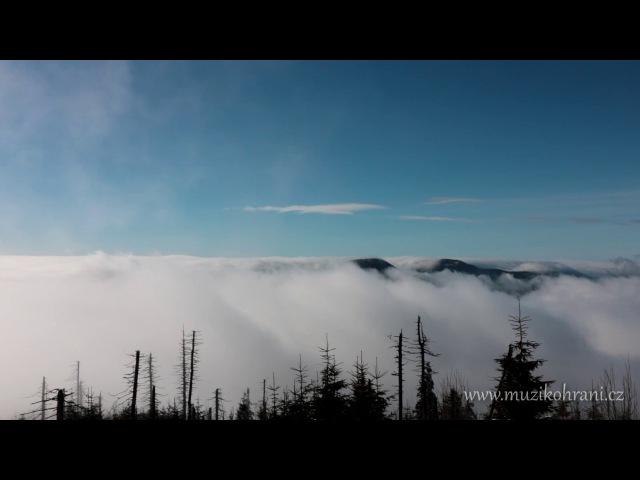 Nad mraky mystický Rav drum E Pygmy