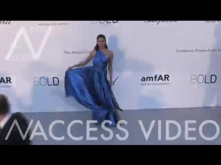 Sara Sampaio with Oliver Ripley at the 25th annual amfAR Gala in Cannes ( 360 X 640 ).mp4